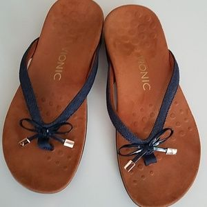 Vionic flip flop sandle denim finish 6